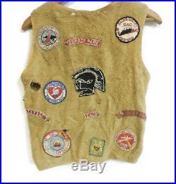 1960s BOY SCOUT VEST WITH 25 PATCHES / PINS DAN BEARD COUNCIL RIFLE RIVER BSA
